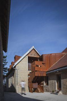Restoration former presbytery Lantenne-Vertière, France | Amiot Lombard Architects