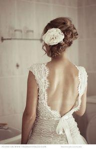 Stunning lace detail by Kobus Dippenaar