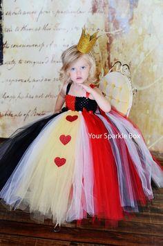 halloween costume. red queen.