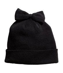 Hat with a bow