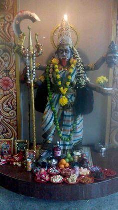 Durga Kali, Kali Hindu, Kali Mata, Shiva Shakti, Shri Ram Wallpaper, Wine Wallpaper, Kali Statue, Mother Kali, Lakshmi Images