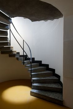 Ampliamento Biblioteca Ezio Vanoni - Luigi Caccia Dominioni, 1965 - Picture gallery #architecture #interiordesign #staircase