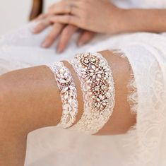 Emmaline Bride - Handmade Wedding Blog Are you planning to do a garter toss at your wedding? What is the wedding garter tradition all about, anyway? You've come to the right place! In this post, you'll… Handmade Wedding Blog Ivory Bridal Garter, Bride Garter, Wedding Garter Lace, Lace Garter, Bridal Lace, Garter Toss, Bridal Boudoir, Gold Lace, Rose Gold