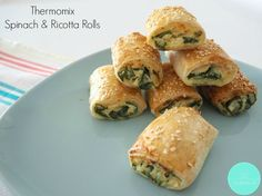 Thermomix Spinach and Ricotta Rolls are for you! While you can never go wrong with a classic sausage roll recipe, these Spinach and Ricotta Rolls taste amazing, the kids will love them and are also a great vegetarian alternative for your guests. Spinach Ricotta, Spinach And Cheese, Baby Spinach, Spinach Rolls, Homemade Sausage Rolls, Thermomix Sausage Rolls, Chicken Sausage Rolls, Sandwiches, Savory Snacks