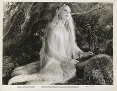 """A MIDSUMMER NIGHT'S DREAM-ORIG PHOTO-ANITA LOUISE-GLAMOUR-SITTING-FLOWING HAIR"