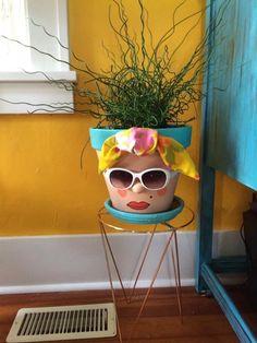 Flower Pot Art, Clay Flower Pots, Flower Pot Crafts, Clay Pots, Clay Pot Projects, Clay Pot Crafts, Crafts To Do, Arts And Crafts, Flower Pot People
