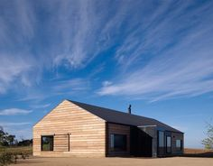 The Hill Plain House,Courtesy of  wolveridge architects