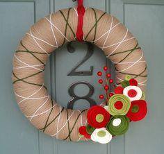 adorable DIY yard wreath for christmas