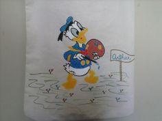 Detalhe da pintura de um dos lados da bolsa: Pato Donald