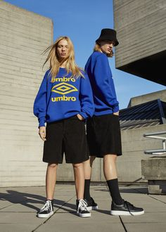 Fresh new Umbro x Pull&Bear collection bringing all the street style vibes of the season Fashion Photography Inspiration, Editorial Photography, Photography Poses, Paris Mode, Couple Posing, Models, Swagg, Streetwear Fashion, Street Wear