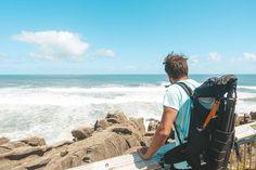 Ist das nicht ein tolles Gefühl, wenn der Wind einem Salzwasser ins Gesicht sprüht? Man hat dann auch einfach diese tolle Meeresluft zum… Kanken Backpack, Drawstring Backpack, Backpacks, Instagram, Inspiration, Amazing, Face, Simple