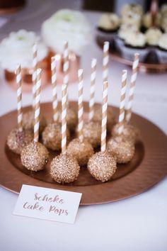 Roségold liegt auf Hochzeiten im Trend. Dazu haben wir von mundus die passende Candybar mit einer Auswahl aus unserer Produkte. Ein tolles Farbkonzept!