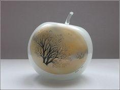 Стеклянные яблочки: декоративная роспись Евгении Вихровой
