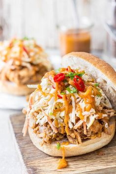 Apple Recipes Main Course, Pulled Chicken Sandwiches, Apple Slaw, Autumn Harvest, Dinner Recipes, Autumn Bbq Recipes, Dessert Recipes, Entrees, Main Dishes