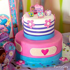 Everyone will be all smiles for a slice of this doc-approved birthday cake! Click to see our Doc McStuffins cake how-to!