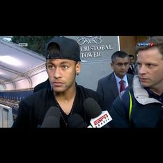 Entrevista do Ney na saída do hotel  #Parte3