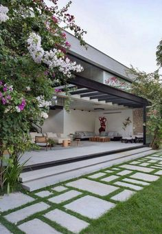 30 wonderful and timeless backyard patio design ideas - Hinterhof Landschaftsbau - Garden Floor Backyard Patio Designs, Pergola Designs, Front Yard Landscaping, Landscaping Ideas, Patio Ideas, Pergola Patio, Backyard Ideas, Inexpensive Landscaping, Sloped Backyard