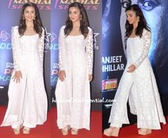 Alia Bhatt wearing Manish Malhotra long kurta and pants. Pakistani Outfits, Indian Outfits, Indian Clothes, Indian Attire, Indian Wear, Indian Designer Suits, Ethnic Dress, Ethnic Kurti, Salwar Designs
