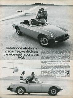 1976 MGB Convertible Glider Couple B Vintage Original Ad