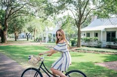 Gal Meets Glam A Southern Summer - LOFT dress and bag, c/o