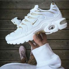 Shared by Amanda. Find images and videos about white, shoes and nike on We Heart… Shared by Amanda. Find White, Shoes, and Nike pictures and videos on We Heart It – the app that lets you lose in what you love. Souliers Nike, Tn Nike, Cute Sneakers, Green Sneakers, Sneakers Fashion Outfits, Fashion Sandals, Hype Shoes, Fresh Shoes, Nike Air Max Plus