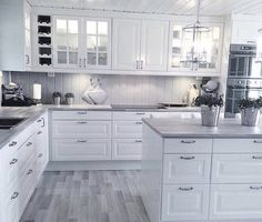 Missing the range hood but cabinet & appliance placement pretty close Kitchen Room Design, Kitchen Dinning, Kitchen Cabinet Design, Modern Kitchen Design, Kitchen Layout, Home Decor Kitchen, Kitchen Interior, New Kitchen, Home Kitchens