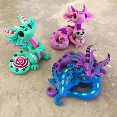 Working on critters for the next sale (Feb. which will be a Newbie Sale. This means if you have never gotten a sculpture from me you can participate! I like to make a good variety for these special sales so let me know what critters you might like to see! Polymer Clay Dragon, Polymer Clay Animals, Cute Polymer Clay, Cute Clay, Fimo Clay, Polymer Clay Creations, Polymer Clay Crafts, Diy Fimo, Biscuit