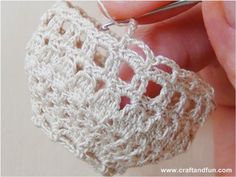 Riciclo Creativo - Craft and Fun: Cestini portauova all'uncinetto per Pasqua ideen einfach ostern Tunisian Crochet Patterns, Easter Crochet Patterns, Crochet Diagram, Small Crochet Gifts, Easy Crochet, Free Crochet, Crochet Wedding Favours, Crochet Barbie Clothes, Crafts For Seniors