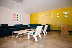 5 Astounding Workspaces of Successful Internet Companies Corporate Office Design, Modern Office Design, Office Interior Design, Office Interiors, Office Designs, Cool Office, Office Decor, Office Ideas, Floor Design