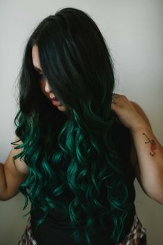 Emerald forest green balayage ombre on long brunette hair. By Becky Pedersen at Emerald forest green balayage ombre on long. Green Hair Ombre, Emerald Green Hair, Dark Green Hair, Green Hair Colors, Ombre Hair Color, Black Hair, Gray Hair, Box Braids Hairstyles, Cool Hairstyles