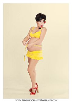 This Pinup Maternity portrait is so cute! Love the yellow!