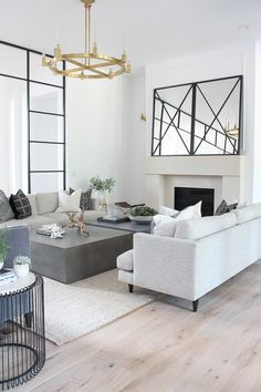 Living Room Progress, gestileerd voor de zomer – The House of Silver Lining Living Room Designs, Living Room Decor, Modern Living Room Design, Living Room Remodel, Fashion Room, Decoration, Home Furnishings, Home Furniture, Family Room