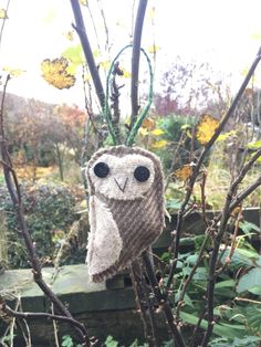 Handmade Yorkshire & harris Tweed Snowy Owl hanging Decoration// Tree Ornament. Needlefelting// applique// textile art// gift ideas by KatfishdesignStudio on Etsy https://www.etsy.com/listing/494340725/handmade-yorkshire-harris-tweed-snowy