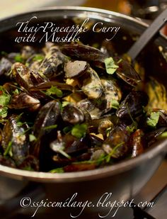 Thai pineapple curry mussels