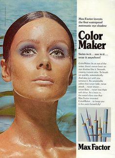 Publicité Vintage - Max Factor - 'Color Maker' Stylo Ombre à Paupières Waterproof - 1972 Vintage Makeup Ads, Retro Makeup, Vintage Beauty, Vintage Ads, Vintage Magazines, 1970s Makeup, Funny Vintage, Vintage Stuff, Vintage Girls