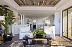 Reclaimed Wood Tray Ceiling Design Ideas, Pictures, Remodel and Decor Reclaimed Wood Floors, Barn Wood, Barnwood Paneling, Wood Beams, Wood Planks, Rustic Wood, Ceiling Decor, Ceiling Design, Ceiling Detail