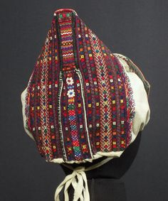 Polomka/Závadka, Slovakia -traditional folk woman's 'hat' Bohemian Girls, Bohemian Art, Traditional Design, Traditional Outfits, Folk Costume, Costumes, My Roots, Bobbin Lace, Abstract Pattern