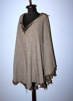 Kup mój przedmiot na #vintedpl http://www.vinted.pl/damska-odziez/peleryny-narzutki/15711443-ponczo-peleryna-narzutka-z-kawalkami-skory