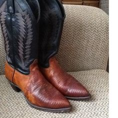 Vintage J. Chisholm Brown Leather and Exotic Snakeskin Women's Fancy Western Cowboy Boots, sz 8 tall, sweet and sexy pair of J. Chisholm brown, whip stitched leather and exotic python skin, western cowboy boots.  Note: these stunning Chisholm boots were handcrafted in the USA.   Overall vintage condition is very good.. The leather is patina, as shown, and that adds to the amazing character! The python skin portions of both boots are soft and supple Although worn, heels and soles are near…