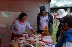 Hacemos Artesanías, Ochenta Artesanos Urbanos exhibieron y compartieron sus trabajos con el público asistente a Hecho en Casa, la Fiesta de la Cultura.