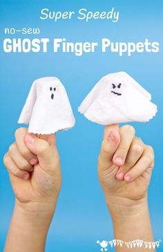 GHOST FINGER PUPPETS - Little fingers are going to wiggle with excitement for these Super Speedy No-Sew Ghost Finger Puppets! They are the perfect last minute Halloween craft. They're great fun for spooky Halloween play or story telling and kids will love Quick Halloween Crafts, Halloween Activities, Halloween Kostüm, Creative Activities For Kids, Crafts For Kids To Make, Kids Diy, Kids Crafts, Craft Kids, Creative Crafts