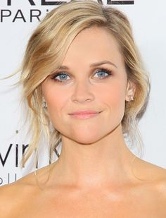 Reese Witherspoon-eye makeup