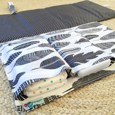 Nappy Wallet / Diaper Clutch with built-in by schwuppdiwupp