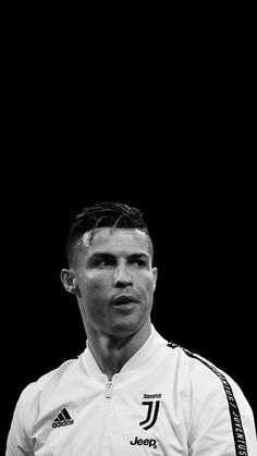 Christano Ronaldo, Cristiano Ronaldo Juventus, Ronaldo Photos, Liverpool Soccer, Soccer Stars, Football Players, Chef Jackets, Sports, Grande
