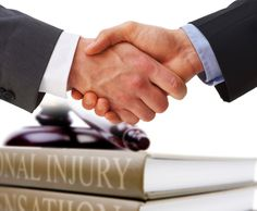 Questions To Ask A Personal Injury Lawyer Before Hiring Them || Image Source: http://personalinjurybureau.com/wp-content/uploads/2015/12/personal_injury_lawyer.jpg