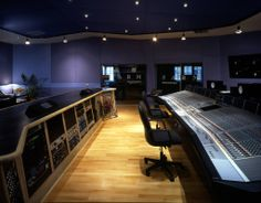 Sarm Studios, London, UK This is an absolutely fabulous room.