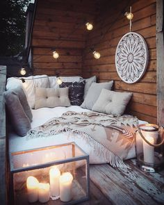 This time we will share inspiration design a small space, making it a useful. So called Stunning Small Balcony Design Ideas. Bohemian Patio, Bohemian Bedroom Decor, Home And Deco, Decorating Small Spaces, Dream Rooms, My New Room, Sweet Home, House Design, Door Design