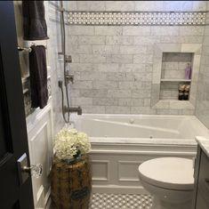Bathtub Shower Combo, Bathroom Tub Shower, Bathroom Renos, Bathroom Interior, Bath Tub Tile Ideas, Bathroom Renovations, Small Tile Shower, Master Bathroom Tub, White Subway Tile Bathroom