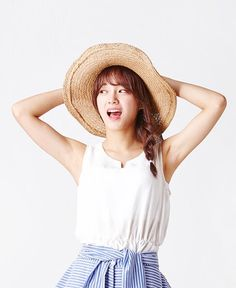 Mobile game app 'Stone Age' revealed cute, adorable photos of girl group IOI's Kim Sejeong. Kpop Girl Groups, Korean Girl Groups, Kpop Girls, Extended Play, Jung Chaeyeon, Choi Yoojung, Kim Sejeong, K Pop Star, Korean Entertainment