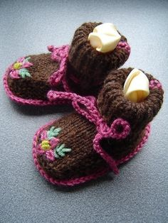 PATTERN for knitted sheepskin soled baby booties